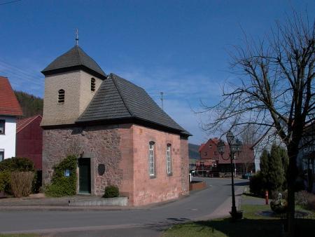 Kirche und Brunnenplatz