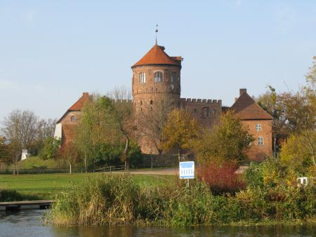 Burg aussen