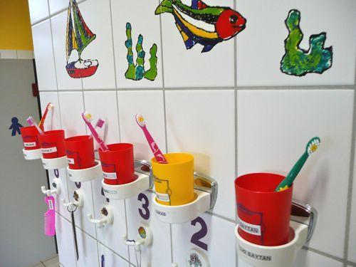 Waschraum und Toiletten 2
