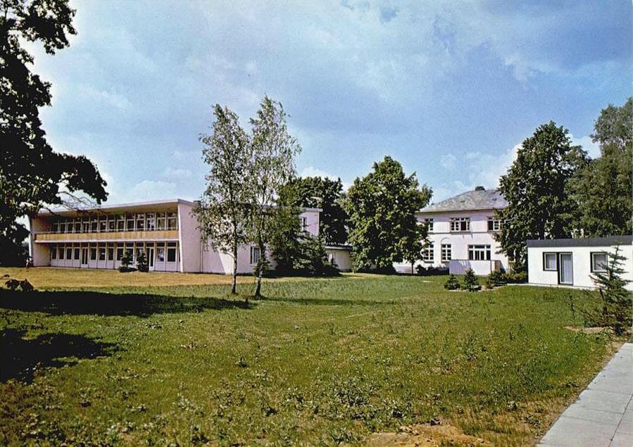 Das Kinderheim (Ansichtskarte, o.J.)