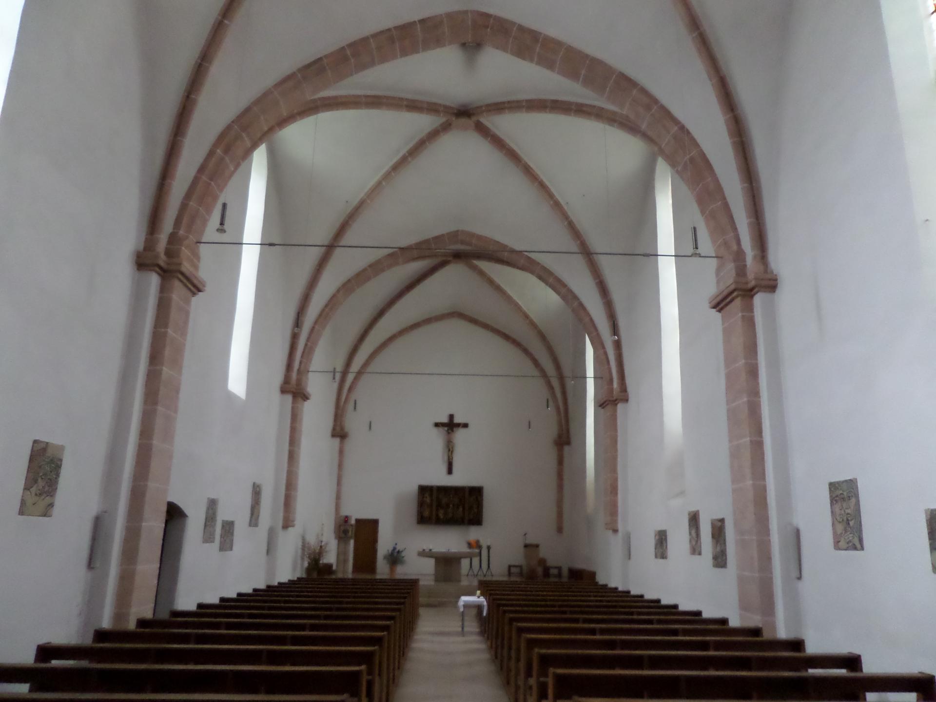 Kirche Aschersleben innen1