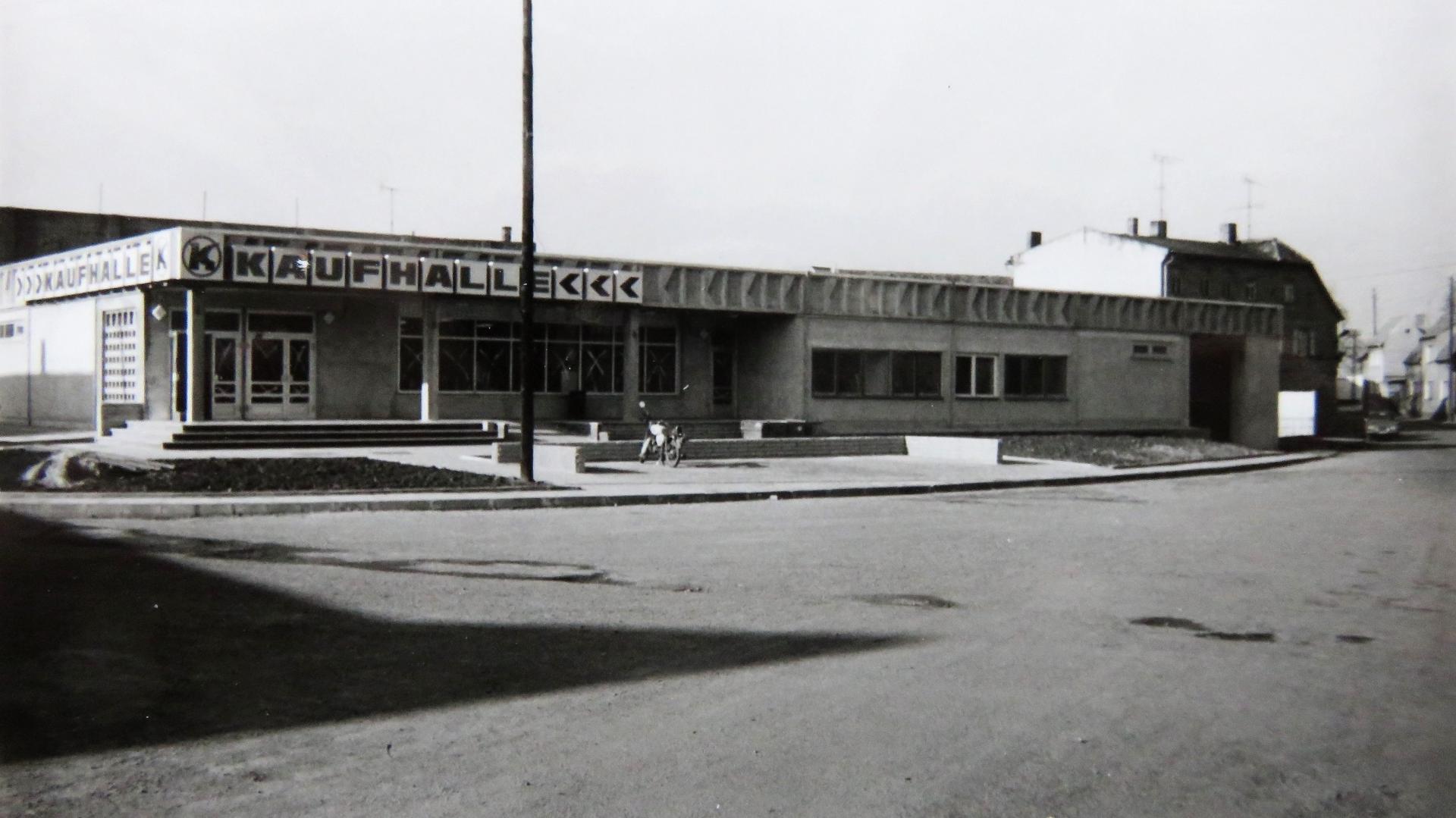 Kaufhalle Rieder am Thälmannplatz (Schäferplatz)