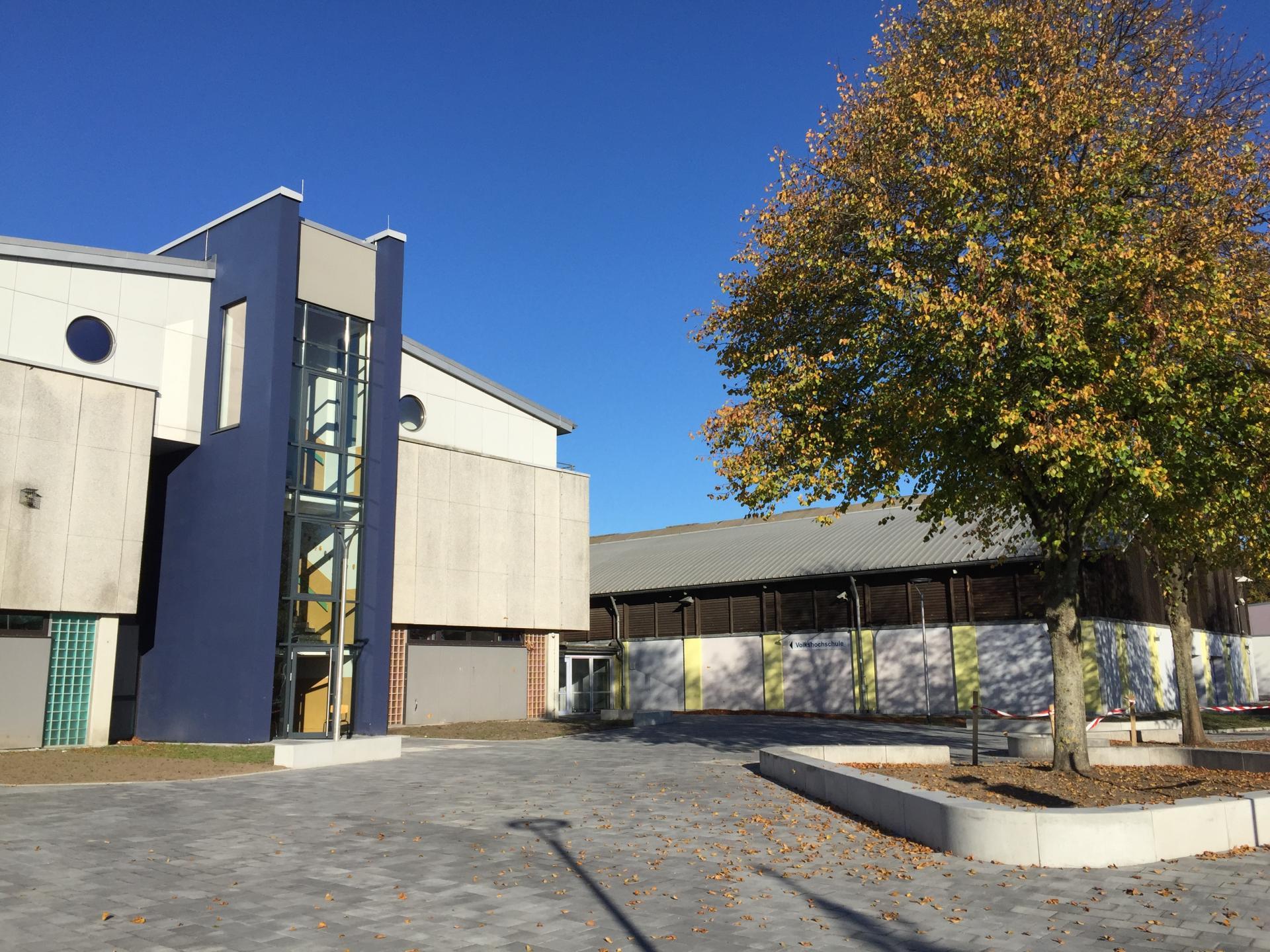 Alexander-Behm-Schule, Haus 5, Eingang zur VHS Tarp