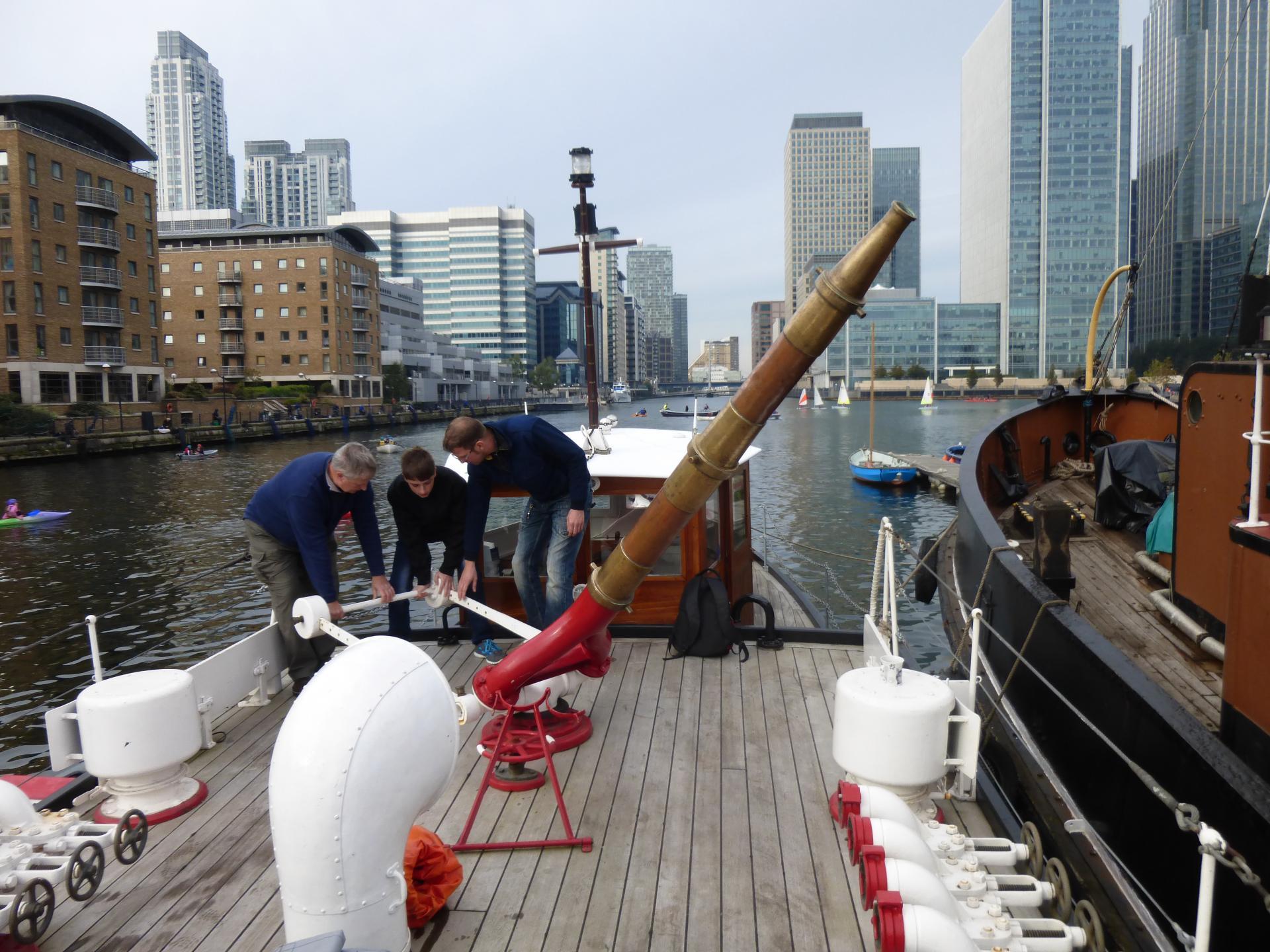 Hist. Feuerlöschboot der Londiner Feuerwehr