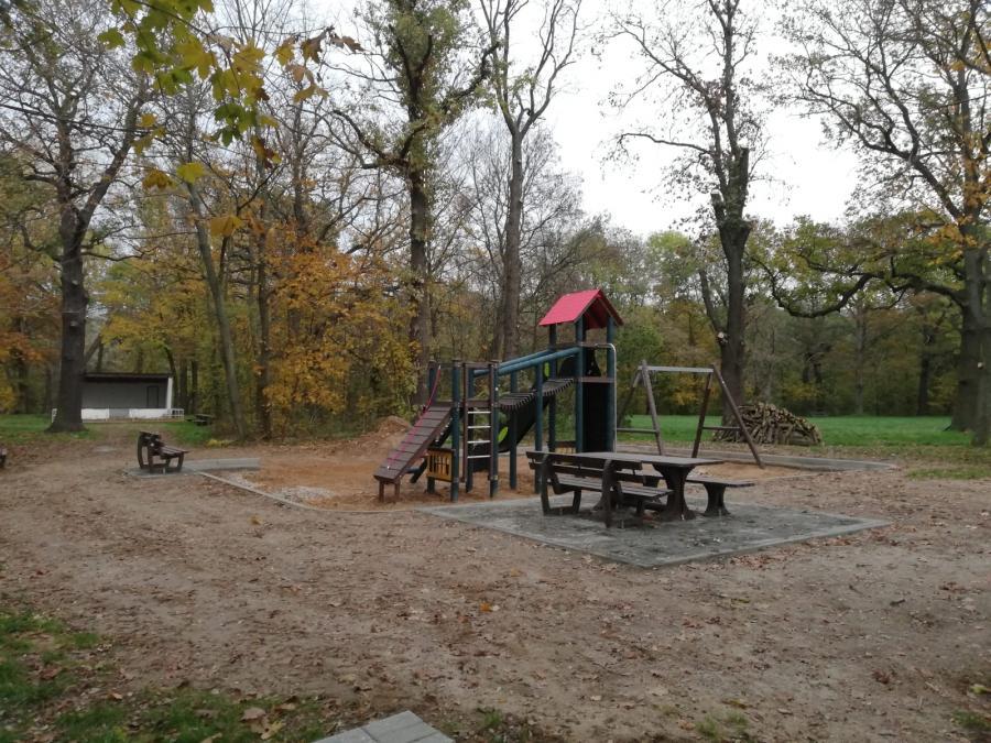 Rastplatz Schlosspark Lossa