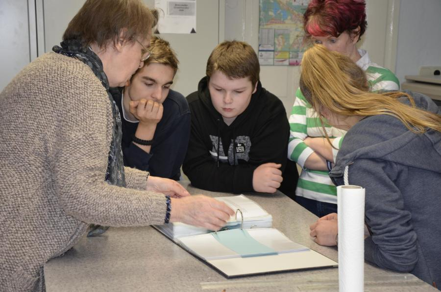 Schüler beim erklären