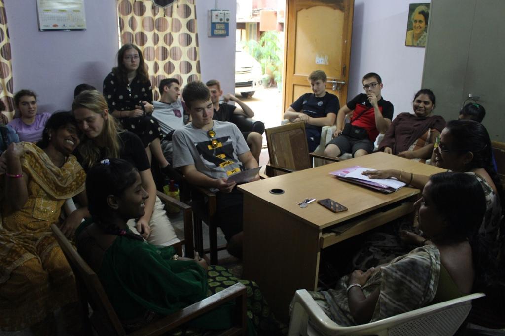 Jugendliche treffen 2018 auf Auszubildende und Betreuerinnen