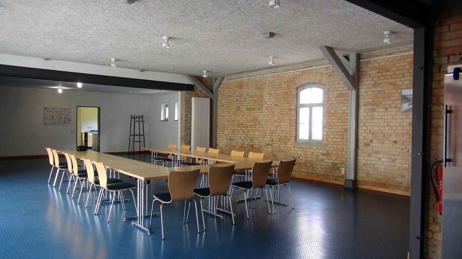"""Bürgerhaus """"Alte Feuerwehr"""" Innenansicht großer Raum (Foto: Stadtverwaltung Treuenbrietzen)"""