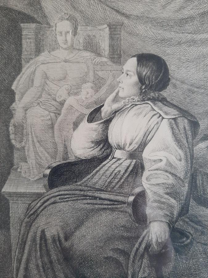 Bettine vor Goethedenkmal
