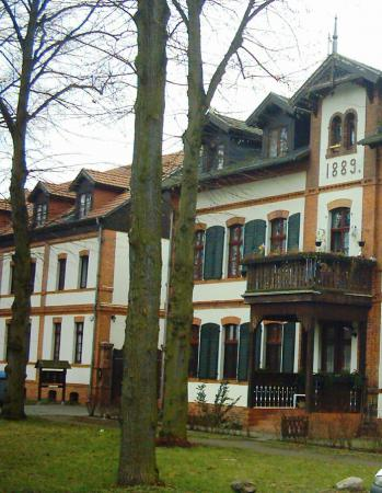 Dorfgebäude um 2000 II