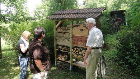 2011 - Aufstellung eines Insektenhotels