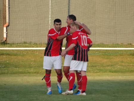 Ugur, Hempo und Damsi freuen sich über den Sieg