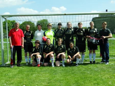 Neue Taschen für HSV-Frauenmannschaft