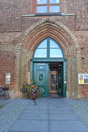 Eingang Kirche