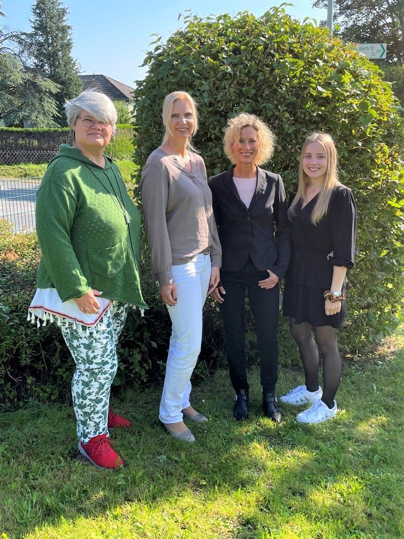 Elisabeth Mohr-Brähler, Kathrin Schnalle, Marlene Harzer und Nele Schermuly