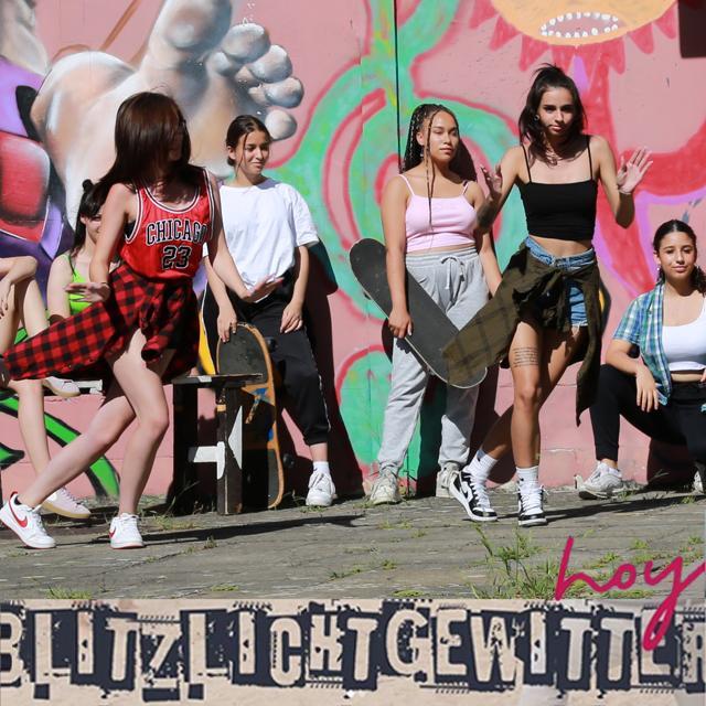 Mädchen tanzend