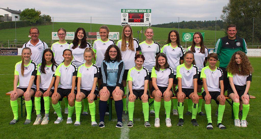 U 17 Juniorinnen Mannschaftsfoto Sept 2021