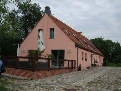 Gasthof mit Terrasse.jpg