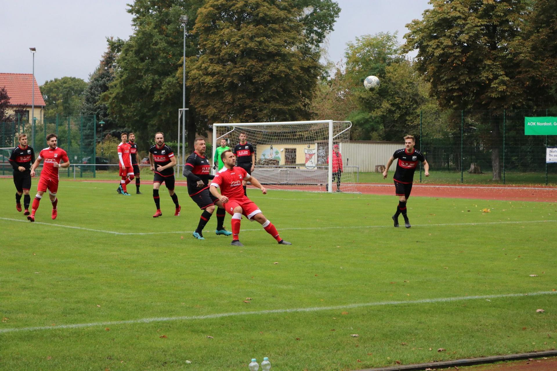 Die Erste beim Auswärtsspiel in Schönow