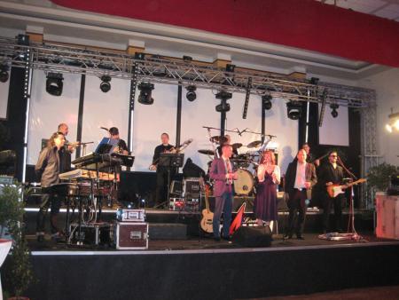 Eröffnung mit Band
