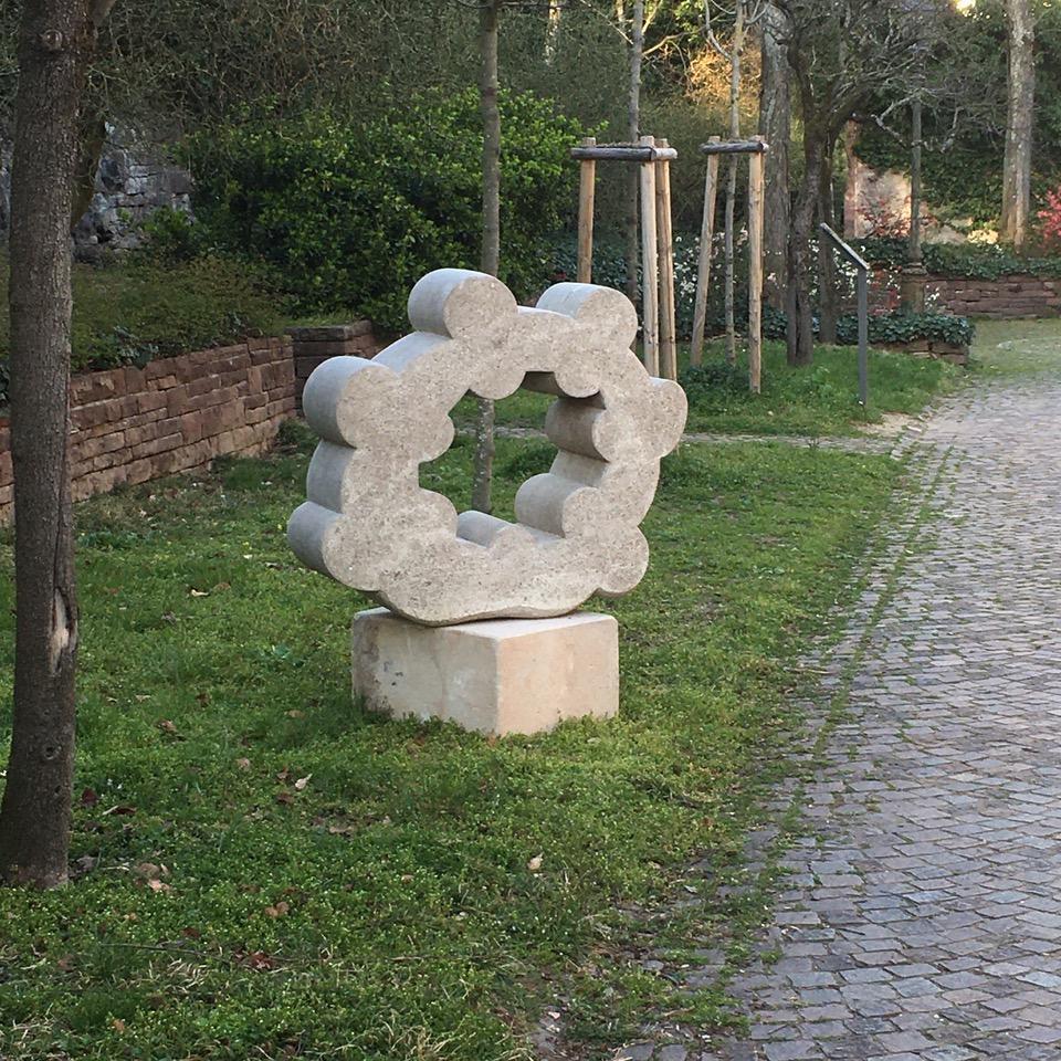 SkSW_ Ralf Schira Muschelkalkskulptur