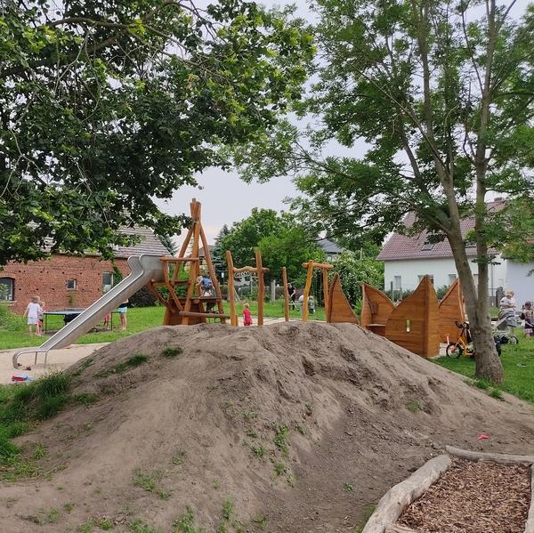 Spielplatz im Dorfzentrum