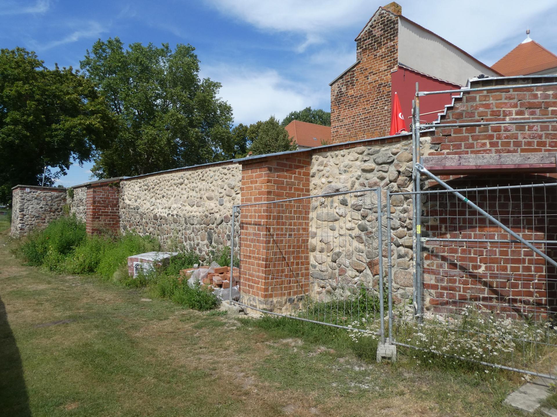 Sanierung Burgmauer Friedland