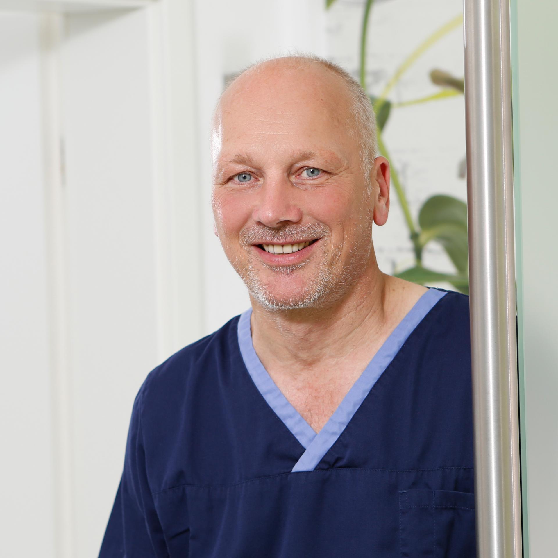 Dr. Peter Löns