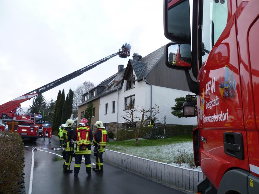 12_12_19 Schornsteinbrand