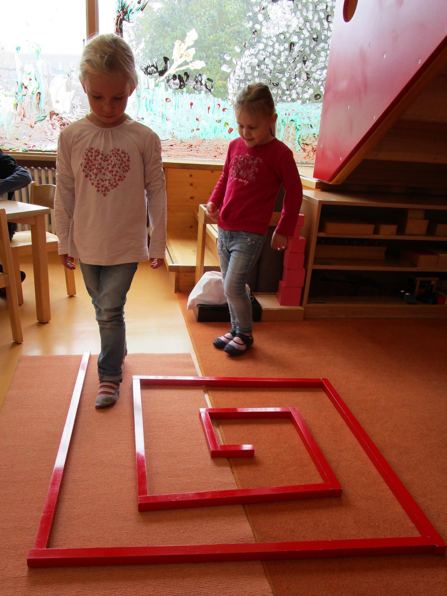 Montessori - Rote Stangen