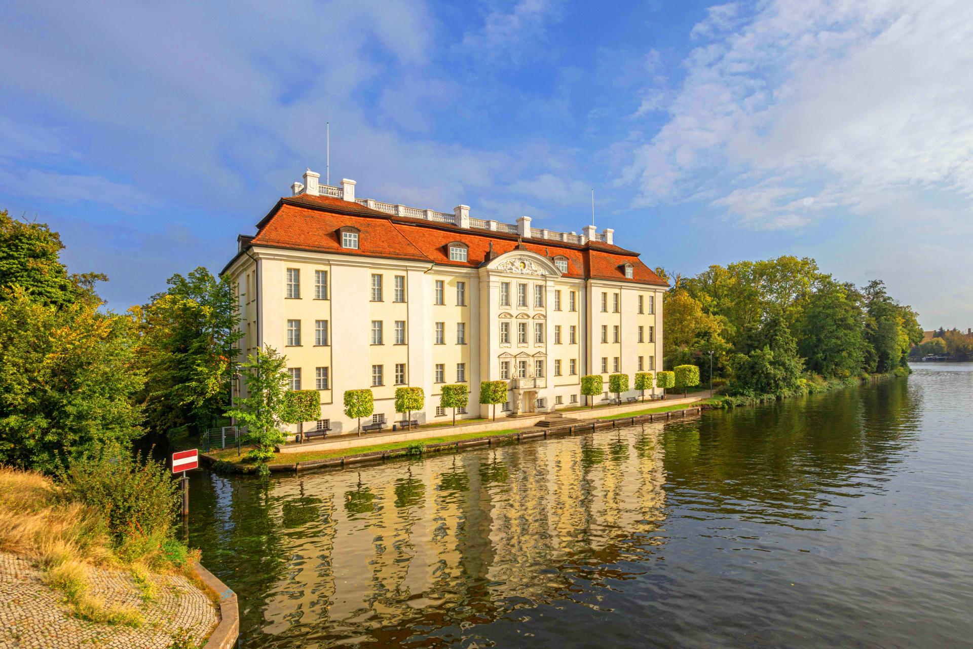 Schloss Köpenick Wasseransicht, Foto: Steffen Ostermaier