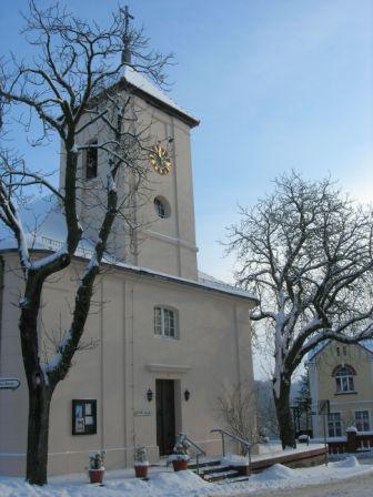 Kirche im Winter 2