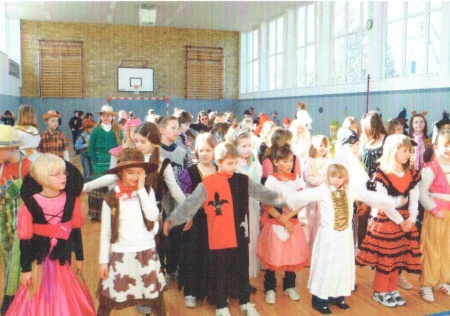 Faschingsfeier in der Turnhalle
