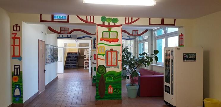 Foyer im Hundertwasser-Stil
