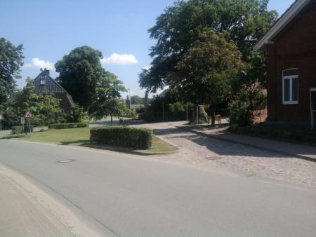 Dorfplatz1