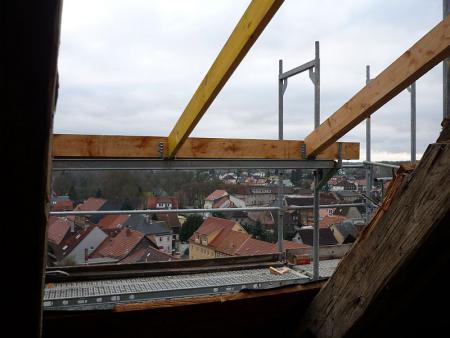 geöffnetes Schlossdach gibt Blicke frei. Schloss Eisfeld. 15.1.2014.jpg