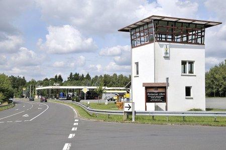Grenzturm Eisfeld.jpg