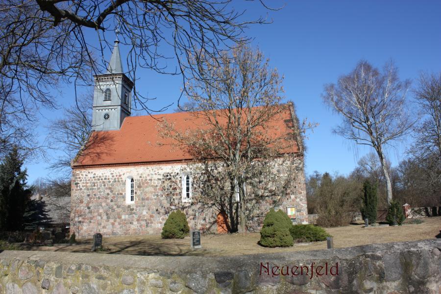 Kirche in Neuenfeld