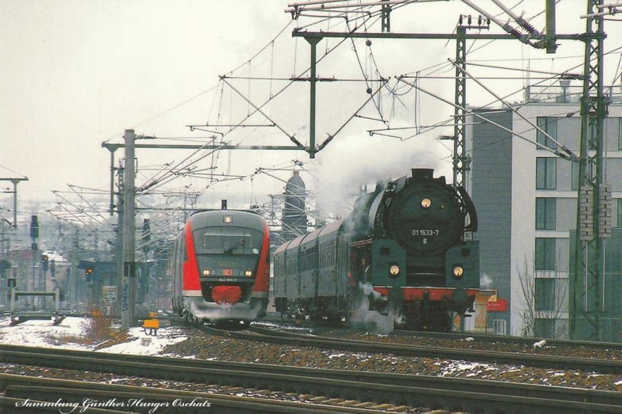Verbrennungstriebwagen 642 650 und Rekodampflok 01 153