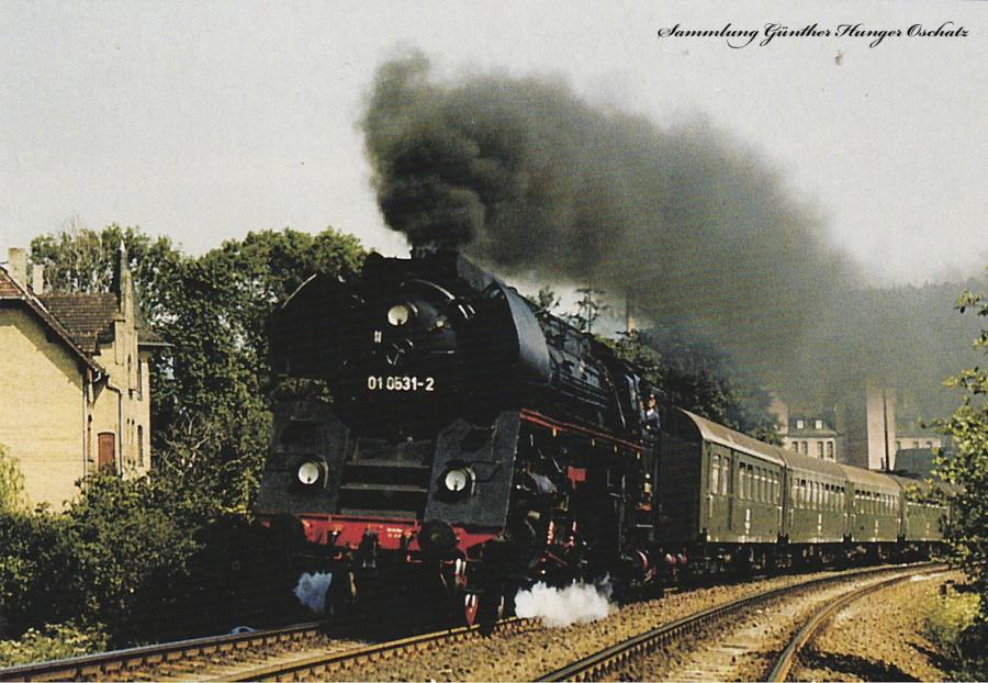 01 0531 (DR) mit Personenzug auf der Saalbahn in Rudolstadt