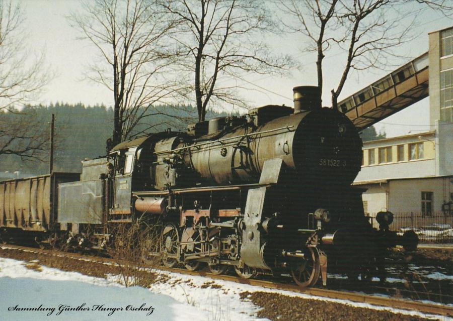 Güterzugdampflokomotive 58 1522 fährt mit Nah-  güterzug unweit von Breitenbrunn