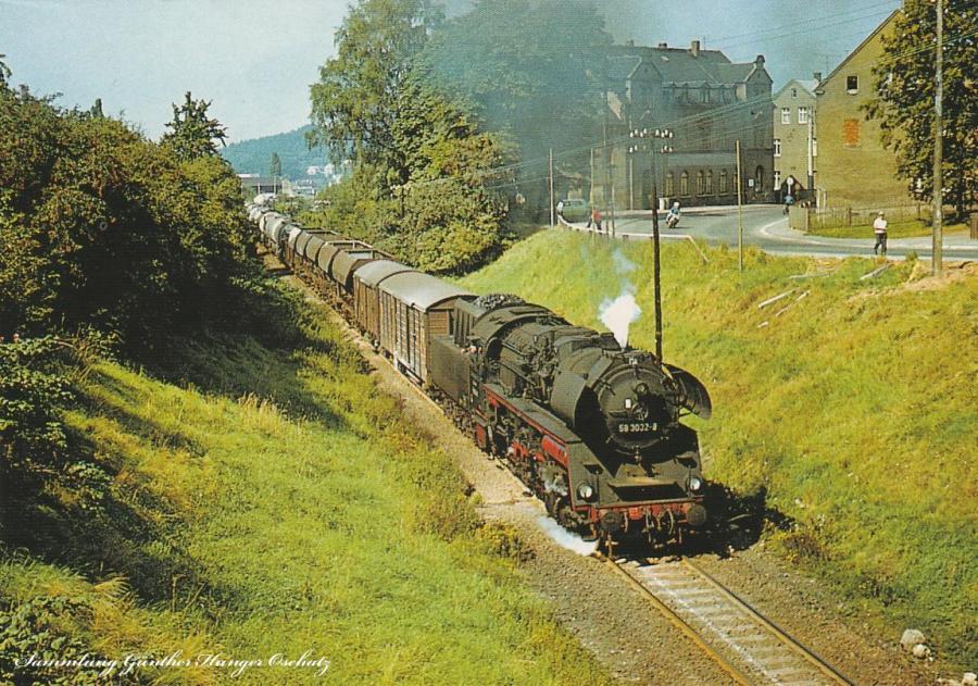 Rekodampflokomotive 58 3032 mit Nahgüterzug  zwischen Rödlitz-Hohndorf und Oelsnitz (Erzgeb.)