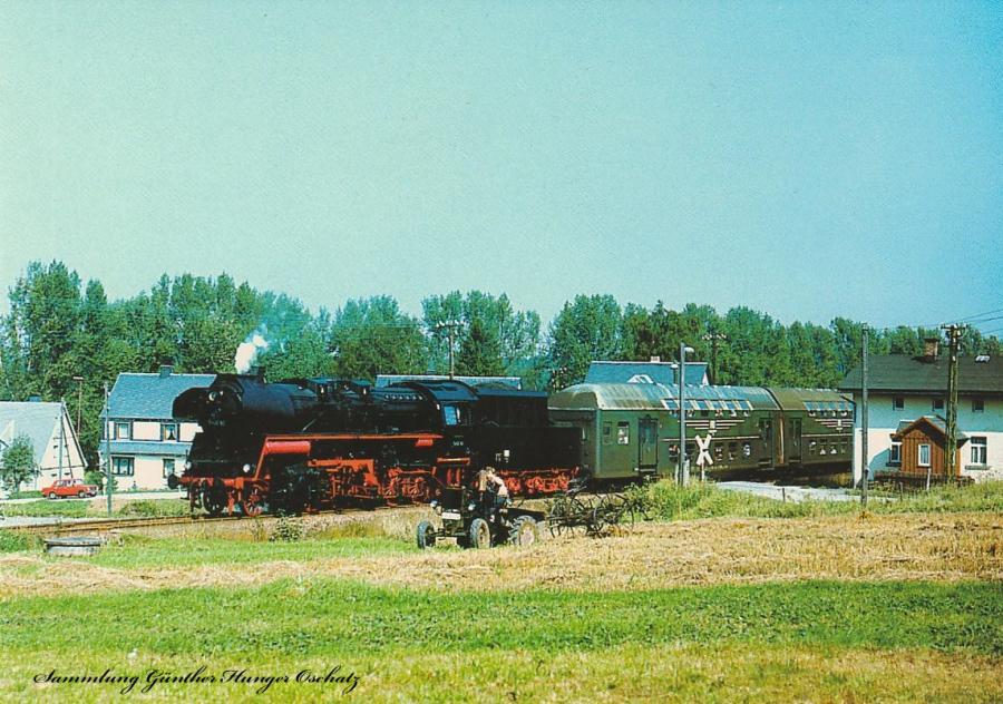 Rekodampflokomotive 58 3047 mit einem DMV-Sonderzug bei Muldenberg