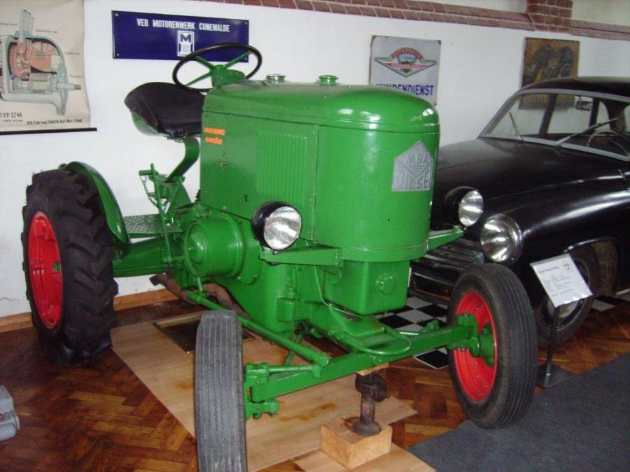 003 BV Internet Traktor MBA Diesel