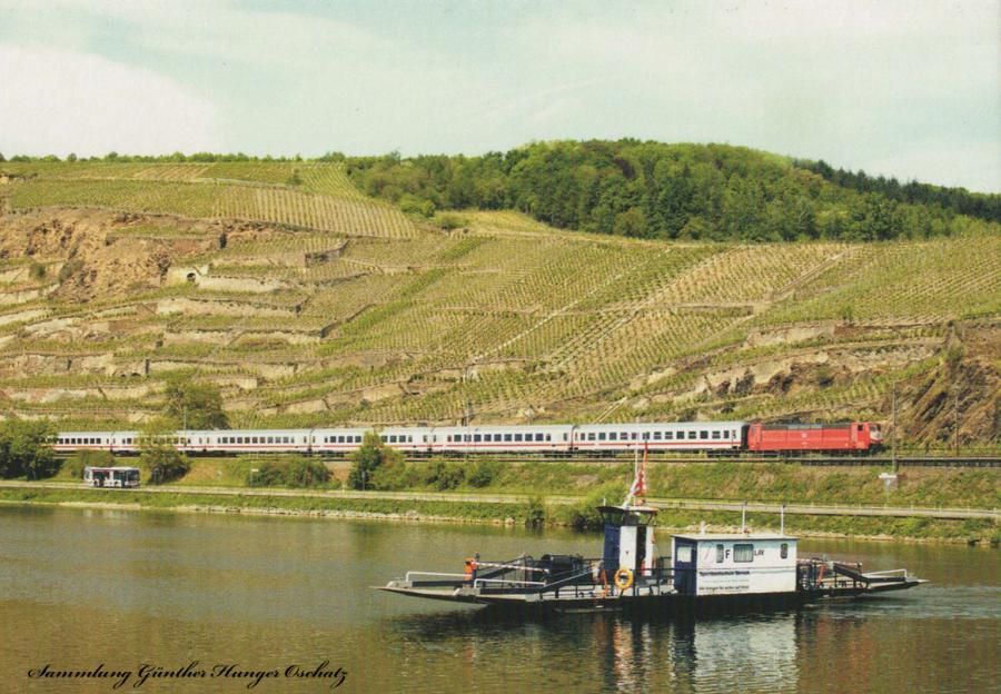Zweisystem-Lokomotive der BR 181.2 (DB AG)  mit EC 435 bei Winningen an der Mosel