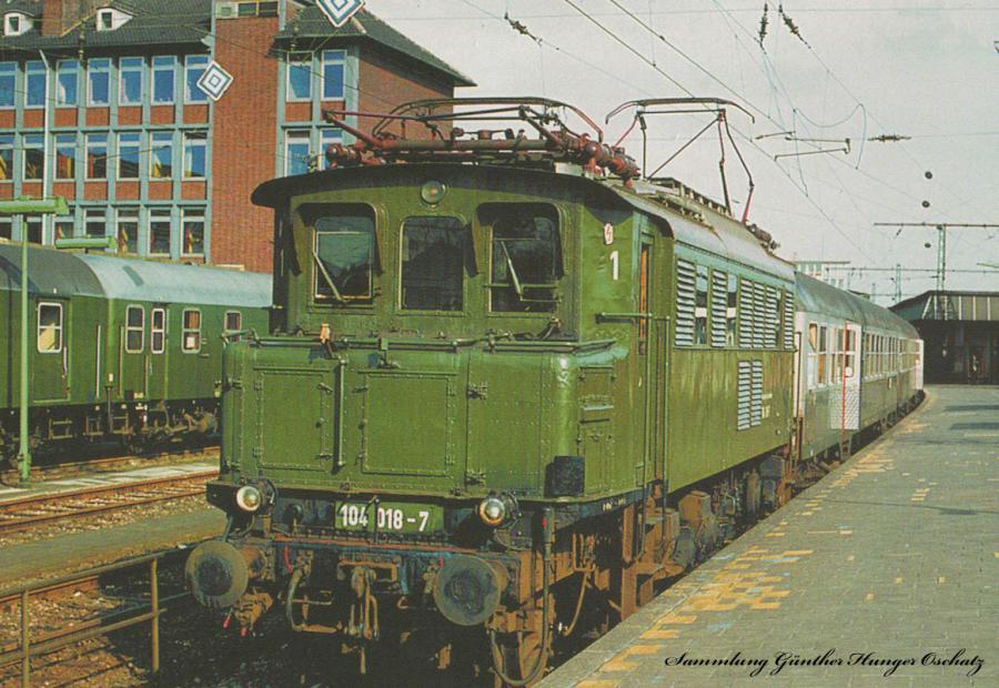 104.018 (DB)  mit Reisezug in Münster Hbf(Strecke Münster.Rheine
