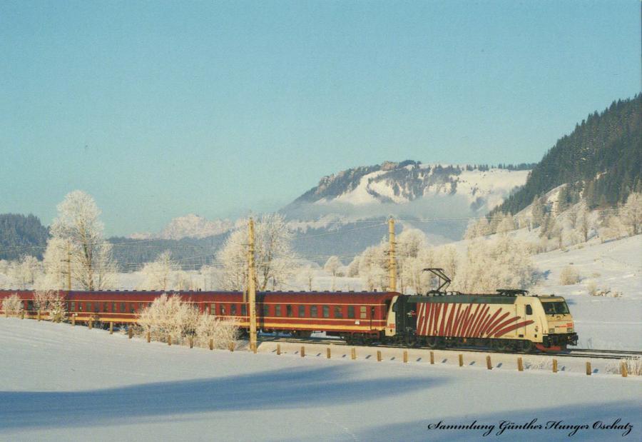 185 666 (Lokomotion)  mit Skisonderzug bei Saalfelden (Salzburg-Halleiner-Bahn)
