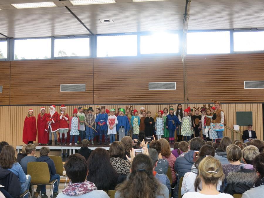 Weihnachtsfeier Schüler