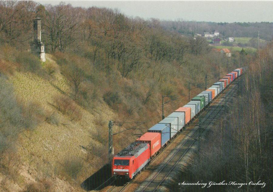 Elektrolokomotive 189 014  mit Containerzug bei Niederau (Einschnitt am ehemaligen Oberauer Tunnel)