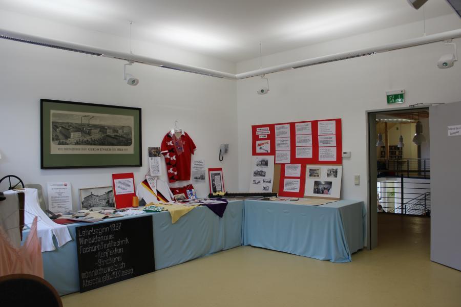 Ausstellung zur Entwicklung der Textilindustrie in Taura